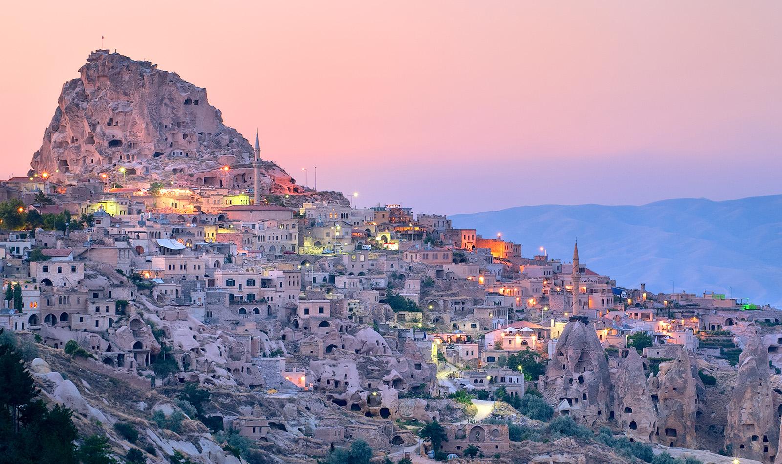 Berpetualang di Cappadocia, dari Kota Bawah Tanah hingga Melayang di Langit Turki